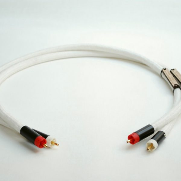 Silver Analogue Interconnects by Malega Audio